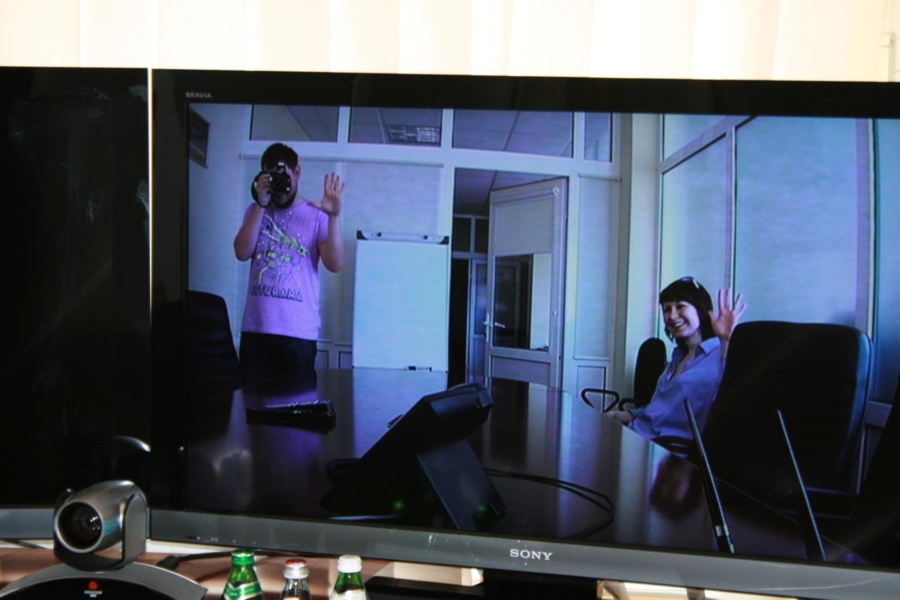 Видеосвязь между переговорками в одном офисе