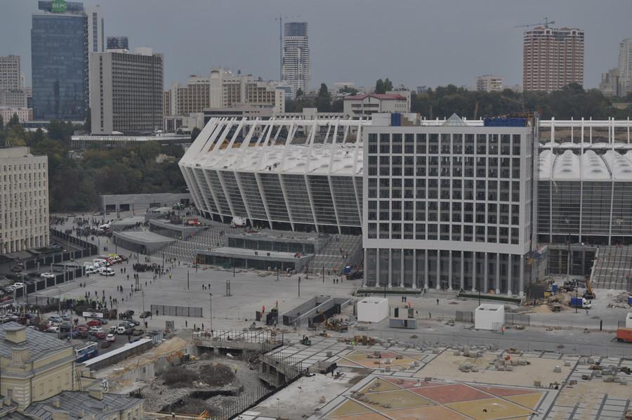 стадион за пару дней до официального открытия