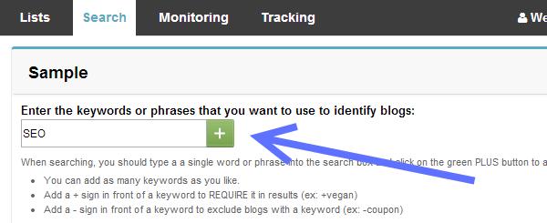 В строку поиска вводим ключевые слова для поиска нужных блогов