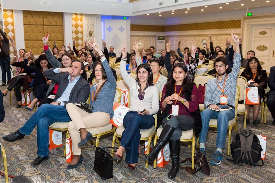 мы сами участвуем в других конференциях и форумах, которые проходят в Казахстане. Выступаем с докладами, работаем на нашем стенде, проводим активный нетворкинг